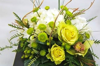 Contemporary and Chic Floral Design (DIY)