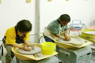 Kids Wheel Throwing Pottery (9-14 years)