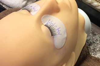 Eyelash Extensions - Classic & Volume