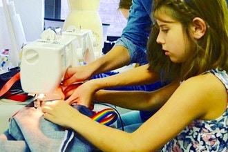 Spring Break Fashion Design Camp (11-14yrs)