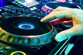 Intro to DJing (DJ 101)