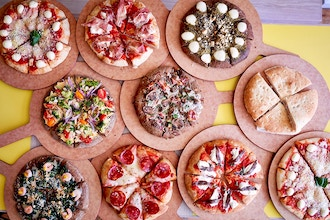 Gourmet Night: Limited Edition Dinner w/ 5 Pizzas