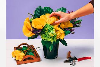 Flower Workshop With Seasonal Blooms Floral Design Classes