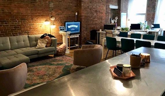 Astonishing Class Rebel Professional Schools New York Coursehorse Lamtechconsult Wood Chair Design Ideas Lamtechconsultcom