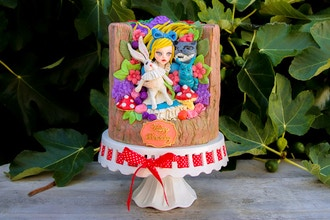 Alice In Wonderland 3D Sculpted Cake Class