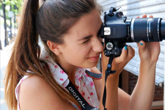 Visual Storytelling through Portraiture for Teens