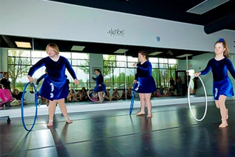 Dynamic Dancers I