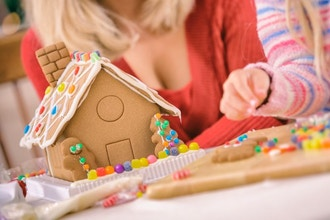 Mid Kids Gingerbread House Creation (Hands-On)