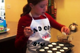 Little Kids: Fun with Fondant (Ages 6-8) (Hands On)