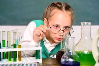 ChemKidz (Ages: 8-12 yrs)