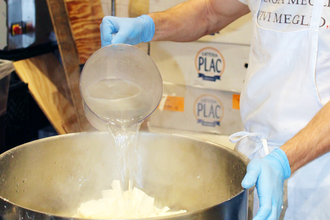 Eataly Behind-the-Scenes: In the Mozzarella Lab
