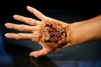 Intro to Special Effects Make-up: Burns, Cuts & Scars