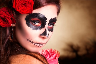 Halloween Make-up: Gruesome Glamour (Chicago)