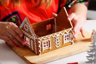 Gingerbread House Holiday Party (Materials Included)