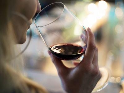 wine2-lady.jpg