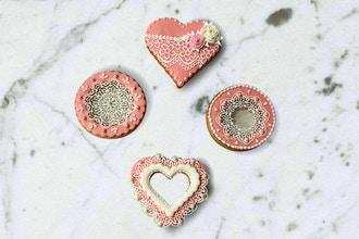 Fondant 101: Bow Cake