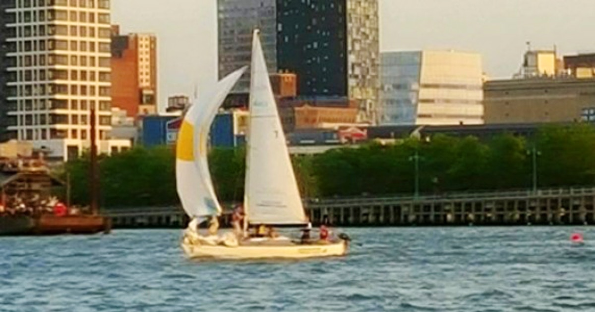Intro to Sailing: Chelsea (Weekend) - Sailing Lessons New York |  CourseHorse - Hudson River Community Sailing