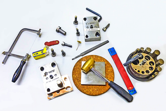 Jewelry & Metalsmithing 101 – Sawing Fundamentals