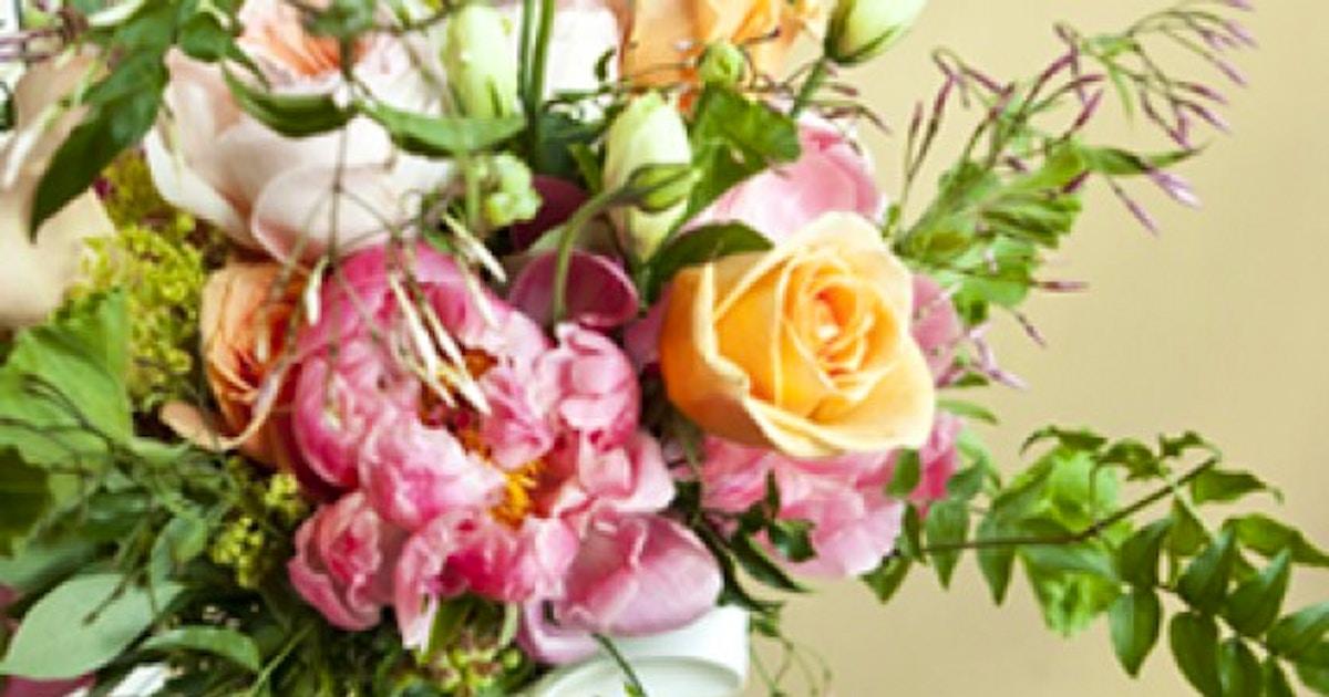 Open Studio Featuring Peonies Beginners Floral Design Classes