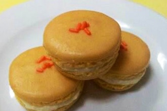 French Macarons - Baking