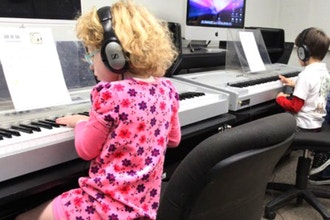 Group Piano (Ages 7-8)