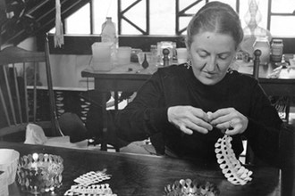 """Designing Women"": Female Jewelers Then and Now"