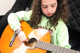 Group Guitar / Ages 7-8