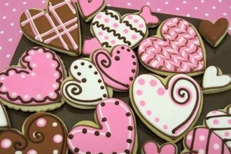 Valentines Day Cookies Piping Stenciling and Fun